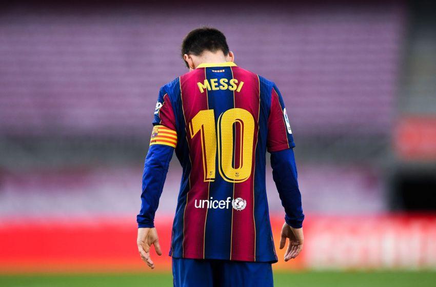 Barcelona bans Lionel Messi