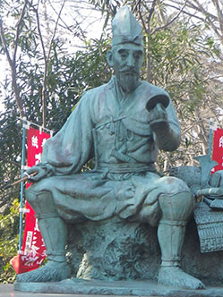 【白髪染めの歴史】古くは古代エジプトから!日本では平安時代の武将が! 最近話題は花王「リライズ」
