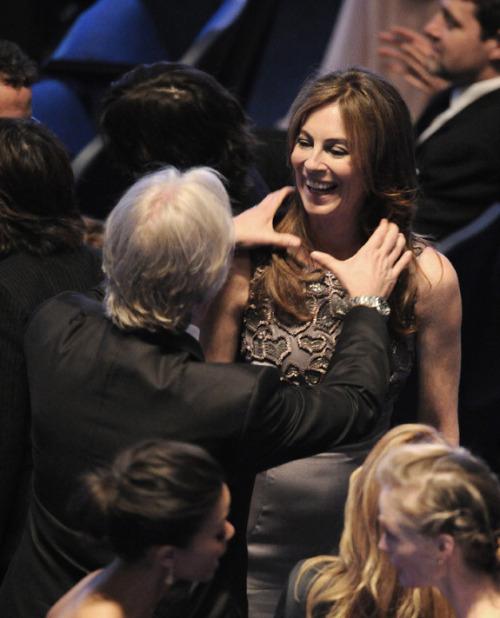 James Cameron cumprimenta sua ex-mulher, que ganhou 6 Oscars