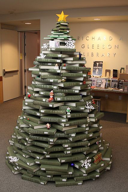 Book Christmas Tree at Gleeson library (San Francisco)