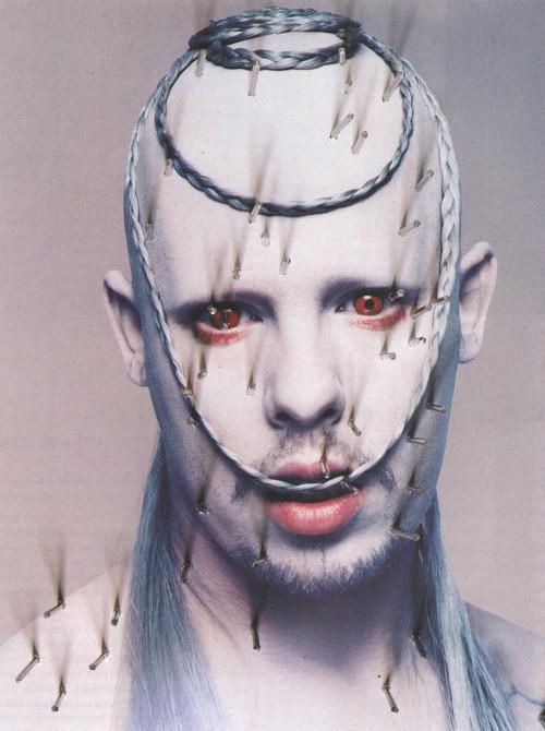 bohemea:  Alexander McQueen: Mc Killer Queen - The Face by Nick Knight, April 1998
