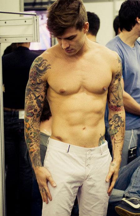 look @ them sleeves! 2die4