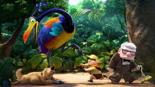 Kevin el ave de Up acompañado del Perro Dug, Carl y Russell