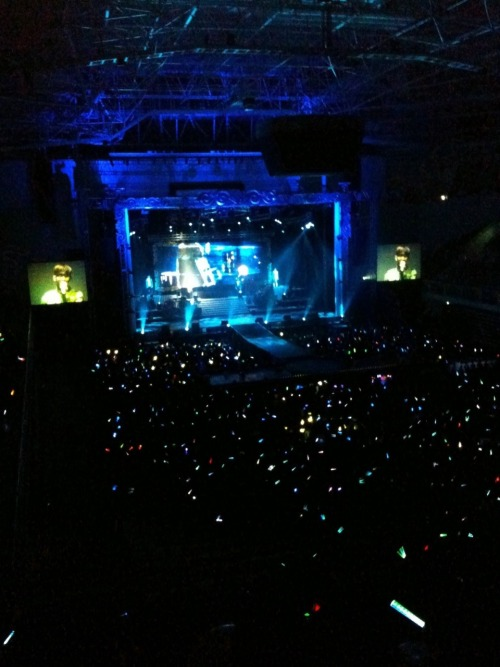 101226 Kwon's Twitter  2010년 2AM첫단독 콘서트 서울3일 .!정말 최고였죠 오늘! 남은 7번의 공연도 신나게 달려봅시다!^^ 20102AM's first solo concert 3 days in Seoul .!Really the best today! Let's run with joy for the other 7 performances that are left!^^