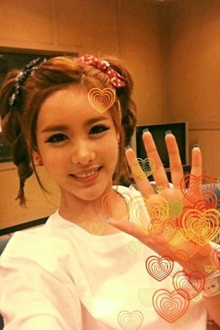 liefdet-ara:  Thank you for loving Roly Poly all this time ^^ ♥ GOODBYE ROLY POLY~  QRI's tweet make my heart sank even further.. T.T  cr: qri + tiaradiadem