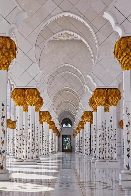 iamlareina:  travelthisworld:  Abu Dhabi, UAE  thought of Nabeela