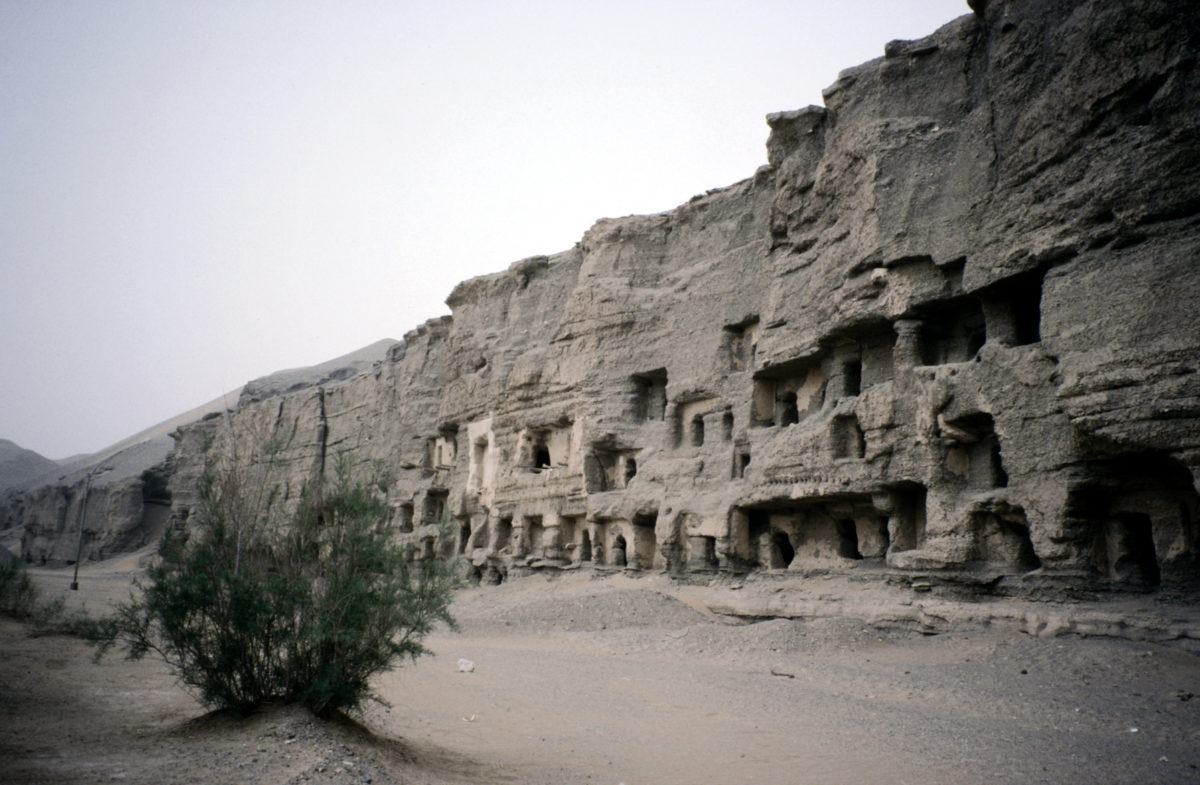 Middle Way Education Buddhist Cave Temples The Mogao
