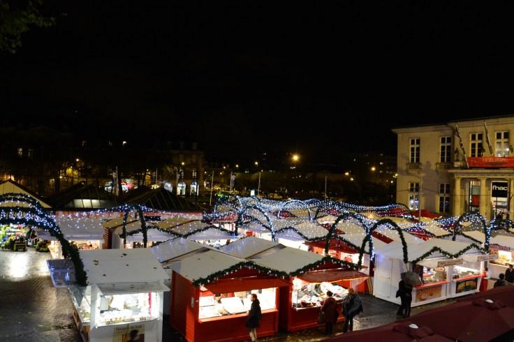Vue d'ensemble sur la place du commerce à Nantes
