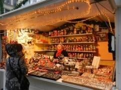 Chalet de produits russes sur le marché de Noël de Rouen
