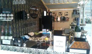 Bar à huîtres au Marché de Noël de Rouen