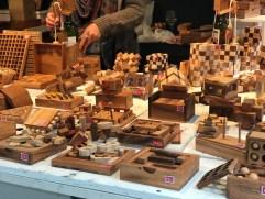 Jeux en bois vendus sur le marché de Noël de Rennes