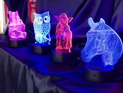 Lampe LED 3D vendues sur le marché de Noël de Rennes