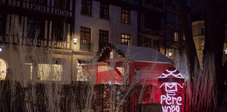 Chalet du Père Noël sur le marché de Noël de Rouen