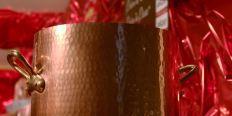 Vin chaud dans les chalets du marché de Noël de Rouen