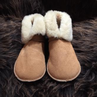 chaussons-mouton-retourne-1024x1024