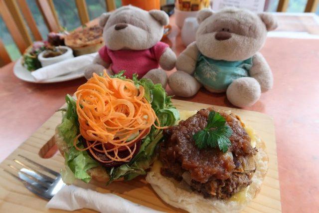 Flaxton Barn Burger ($16.9)