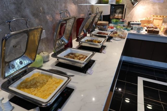 Mercure Singapore Bugis Privilege Lounge Breakfast Selection
