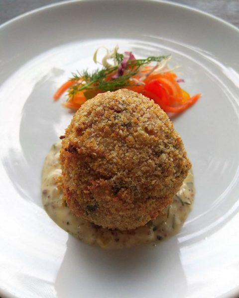 Old Fashioned Crab-Cake at the Pelican Sunday Champagne Brunch Buffet