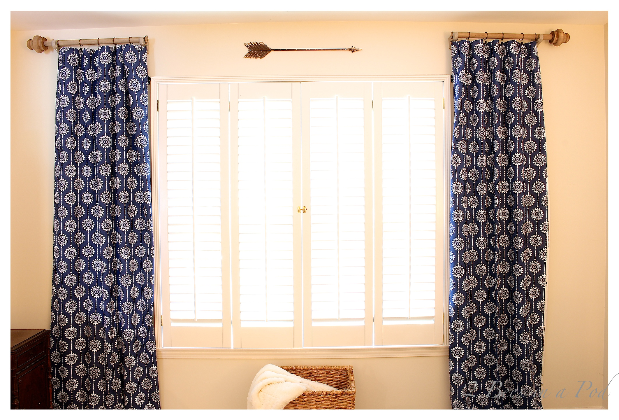 diy curtain rods 2 bees in a pod