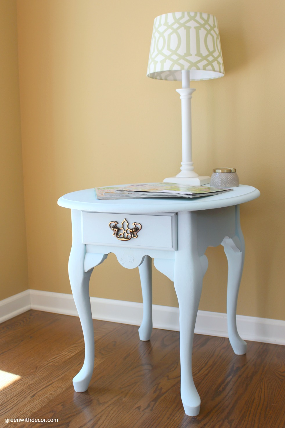 Queen Anne Coffee And End Tables
