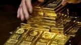 Аналитики: золото падает из-за Биткоина