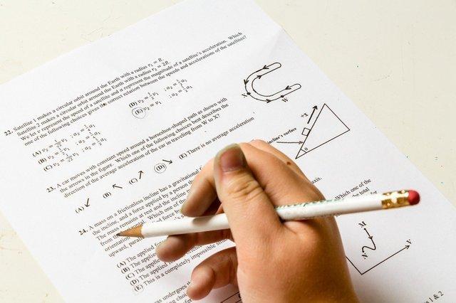 homework-2521144_1280.jpg