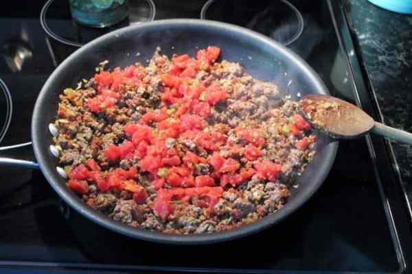 Easy Beef Empanadas step 3 | 2 Cookin Mamas