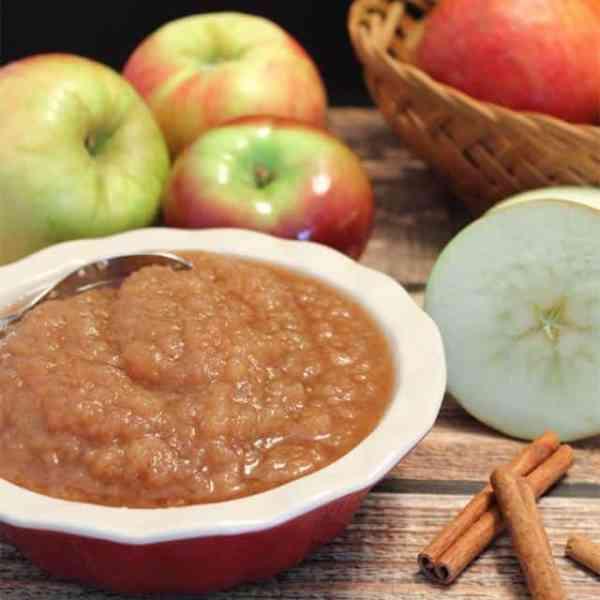 Homemade Applesauce square|2CookinMamas