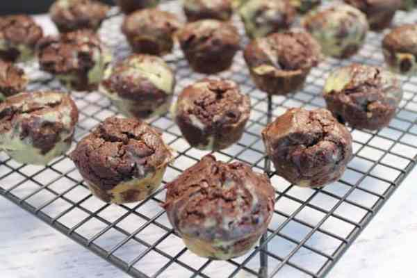 Thin Mint Avocado Brownie Bites 640|2CookinMamas