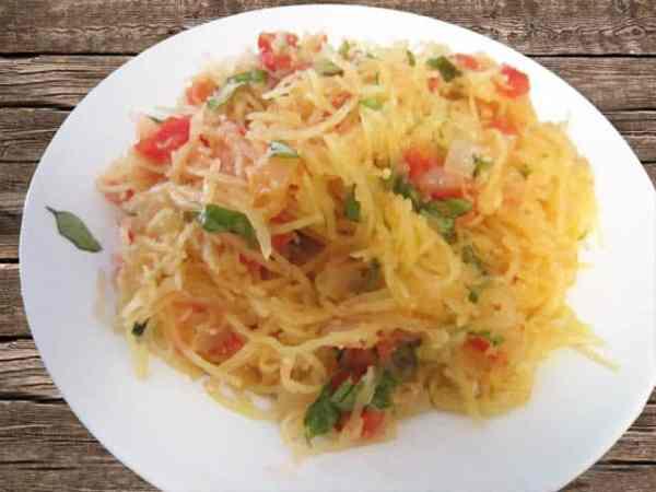 Tomato and Basil Spaghetti Squash 640|2CookinMamas