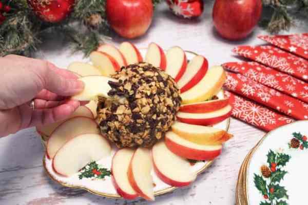 he-Holidays-Caramel-Apple-Dip-ready #ad #naturallycheesy