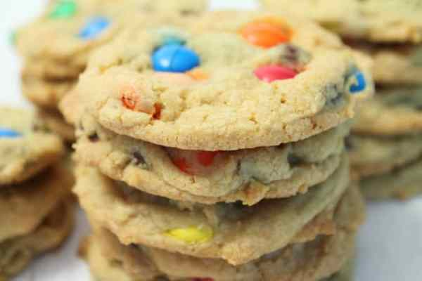 M&Ms Chocolate Chip Cookies closeup|2CookinMamas