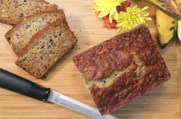 Easy Banana Bread 9 | 2 Cookin Mamas