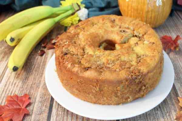 Banana Crunch Cake 3 | 2 Cookin Mamas