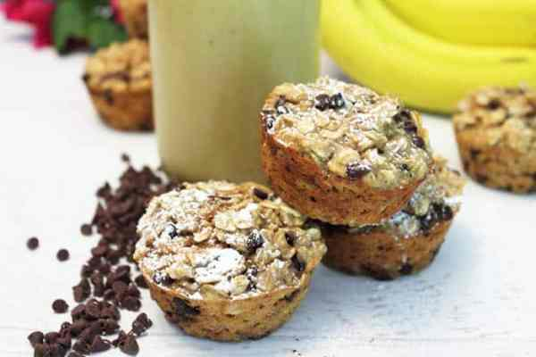 Banana Chocolate Chip Smoothie Muffins sprinkle of sugar | 2 Cookin Mamas