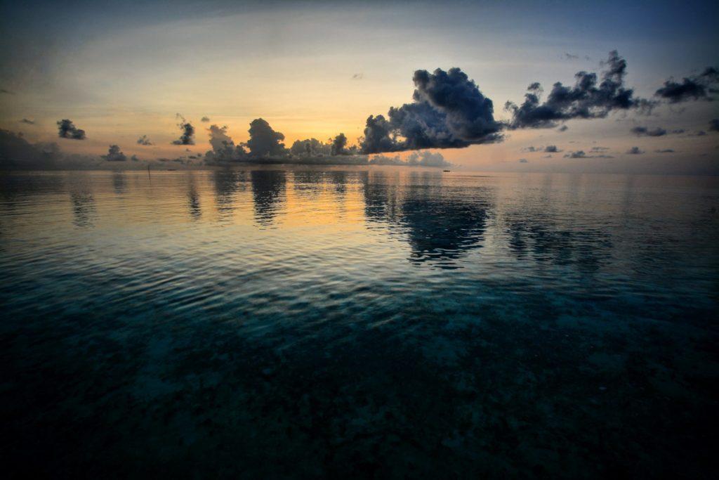 Maldive Maayafushi Alba Arancio