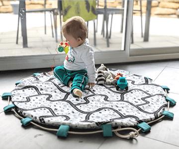 cadeau naissance tapis de jeu nomade