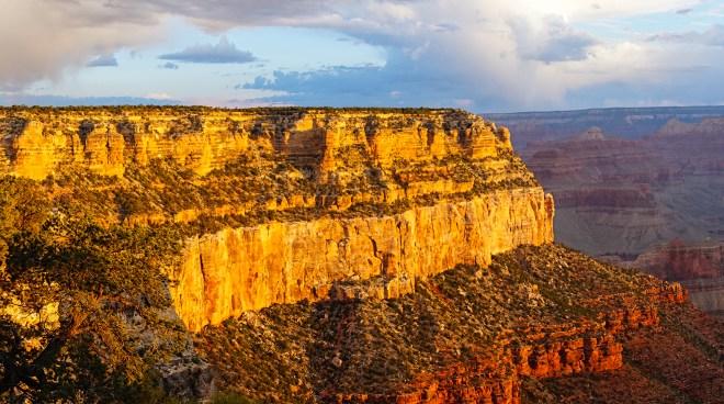 Morning at the Grand Canyon (5:47 AM)