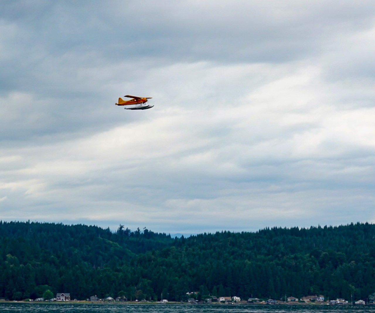 Float plane over Hood Canal