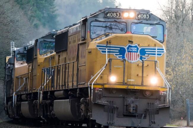 20171208 DSC00272 DSC RX10M4  Ridgefield Trains and Birds