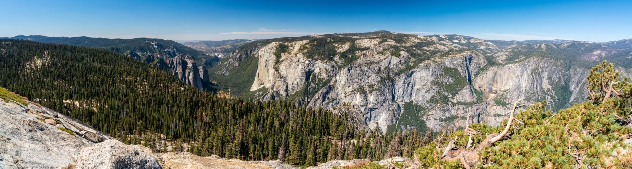 Panoramic view from Sentinel Dome, Yosemite National Park