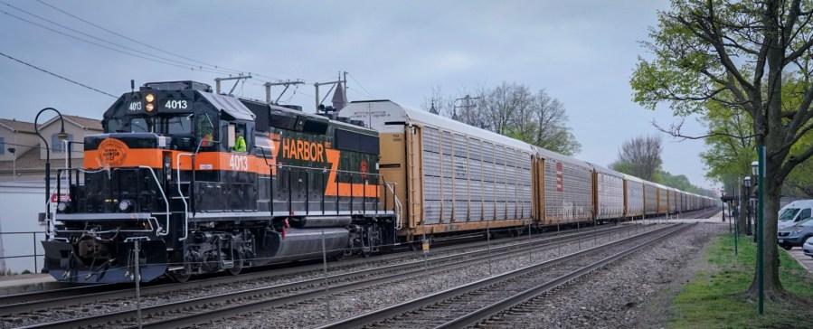 Trains in Riverside