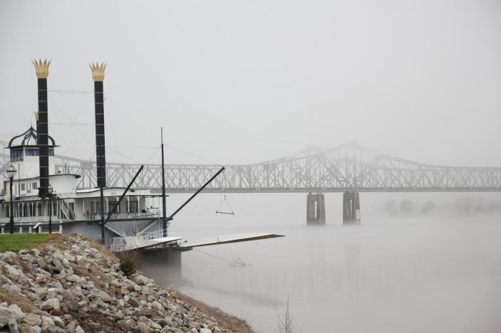 Dimma over Mississippifloden pa morgonen