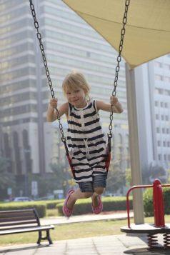 På en lekplats i Corniche