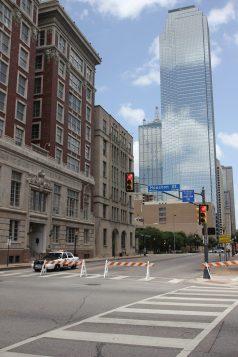 Avspärrade kvarter i downtown Dallas