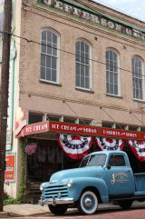 Jeffersons general store