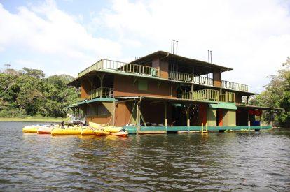 Husbåten där vi spenderade några sköna timmar