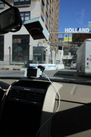 GPS-appen i mobilen guidar oss ut ur Manhattan