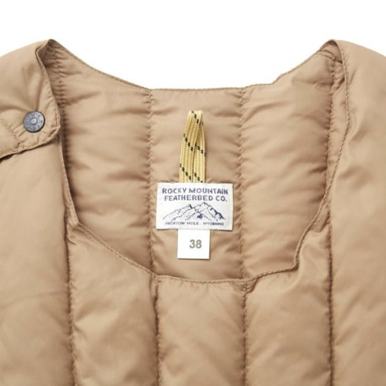 Rocky Mountain Featherbed - SIX MONTH VEST PULLOVER 輕羽絨背心 15