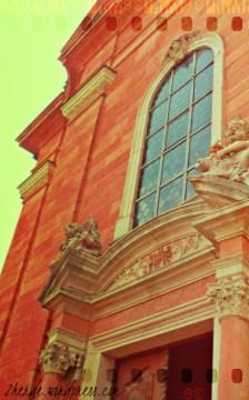 ...überhaupt hat Aschaffenburg eine ganze Menge Kirchen zu bieten - als ehemalige Residenzstadt des Mainzer Erzbischofs aber auch überhaupt kein Wunder.